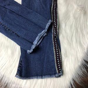 Vilagallo Jeans - Vilagallo Chino Distressed Hem Embroidered Jeans